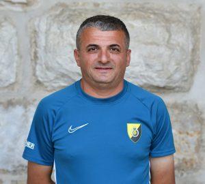 Murat Kis-01